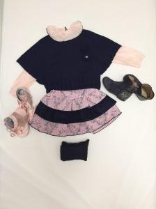 Camisa, Poncho y vestido: Foque Leotardos: Cóndor Botas Rosas: Mercadillo Botas Azules: Zapateria Bambino's